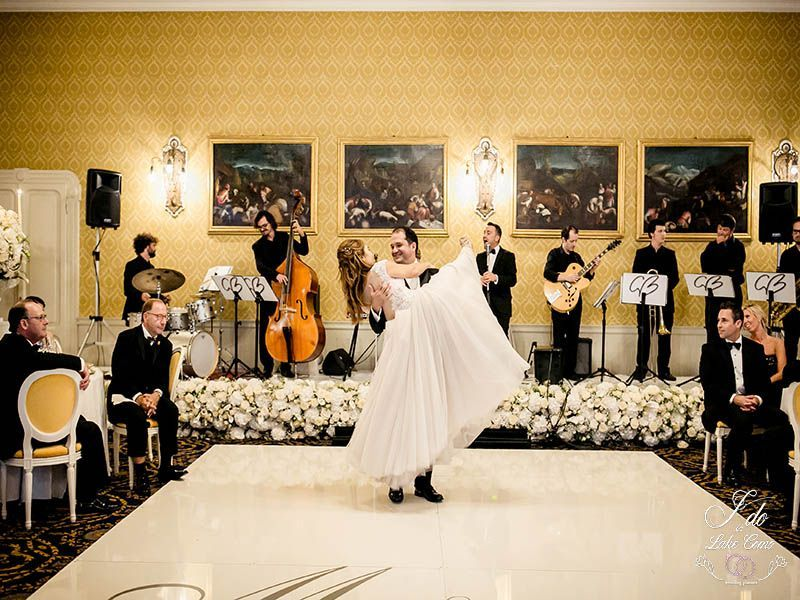 First dance in Grand Hotel Tremezzo Lake Como | Lake Como Wedding Planner