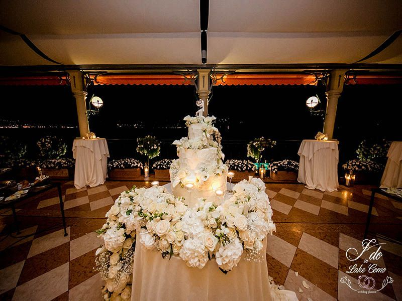 Wedding cake at Grand Hotel Tremezzo | Lake Como Wedding Planner